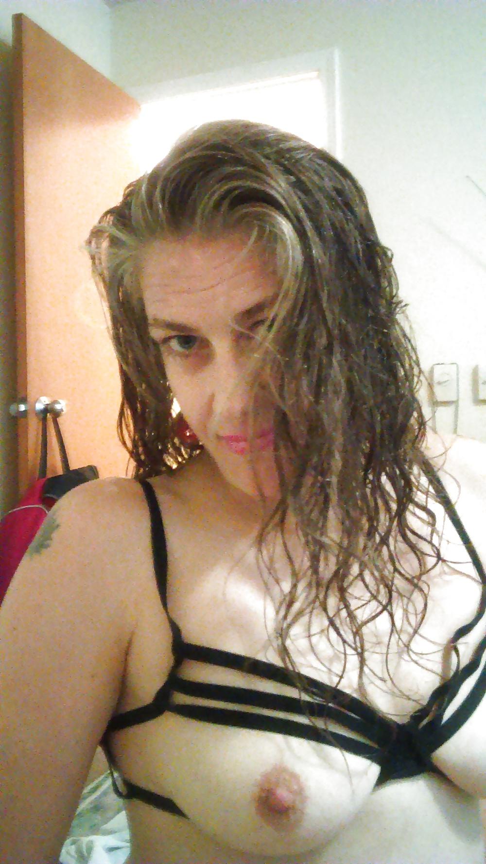 Veterana de Valencia se Desnuda en Pack Infiel