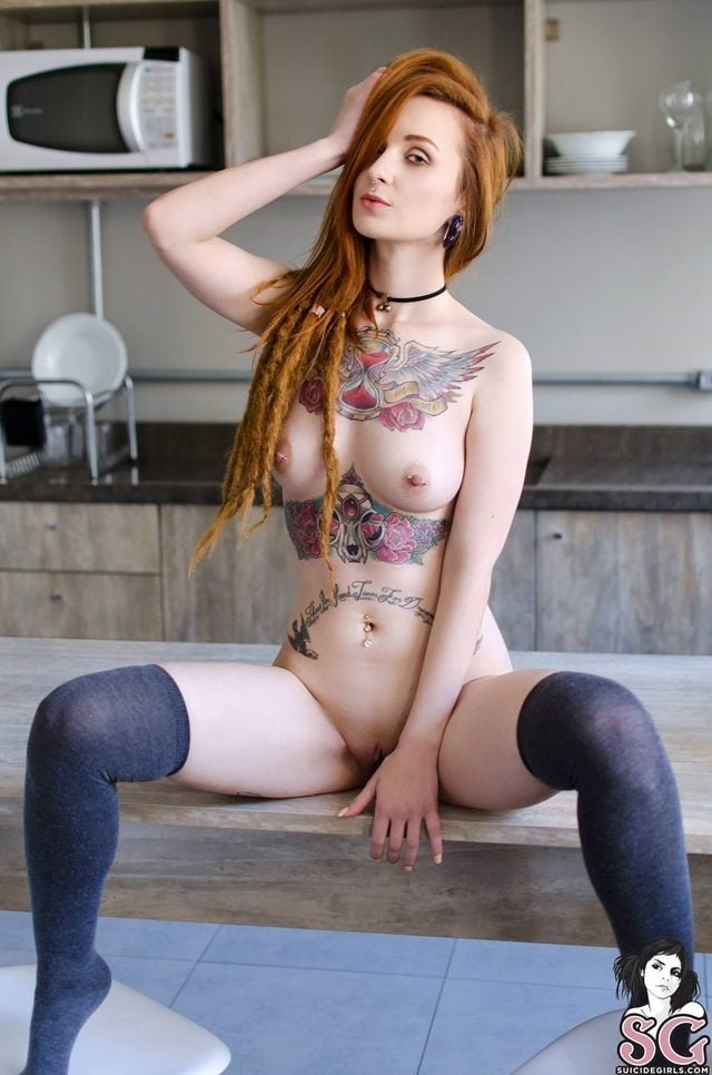 chicas con tatuajes,