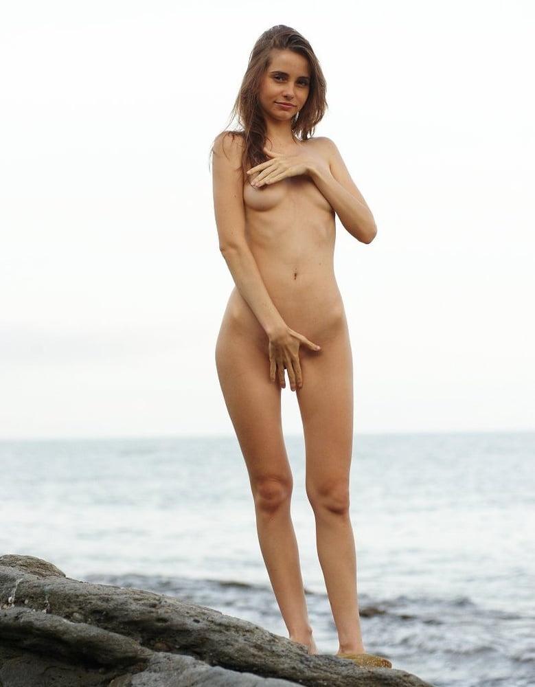 Verano y desnuda